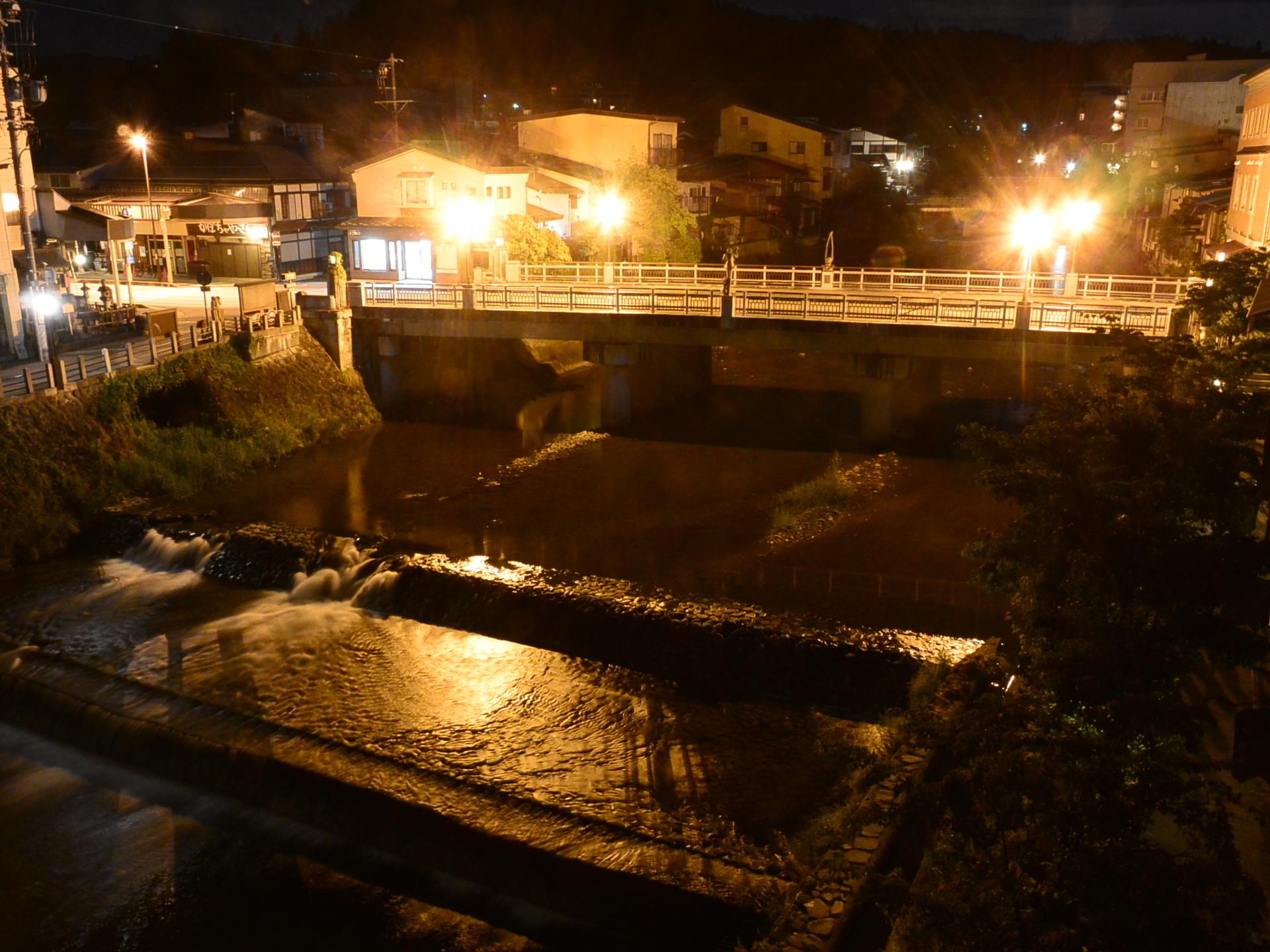 ライブカメラ 鍛冶橋